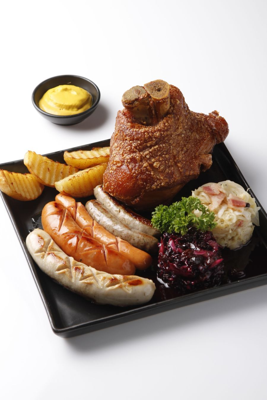 ห้องอาหาร ดิ ออร์ชาร์ด โรงแรมแคนทารี โคราช ขอเชิญทุกท่านเต็มอิ่มกับความอร่อยใน เทศกาลอาหารเยอรมัน