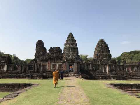 How can I get to several places in Nakhon Ratchasime